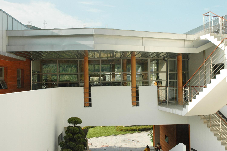 Rundstützen der Säulenmanufaktur - Bibliothek in Südkorea